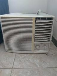 Ar condicionado Elgin janela 6000 BTUs