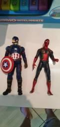 Heróis da Marvel articulados