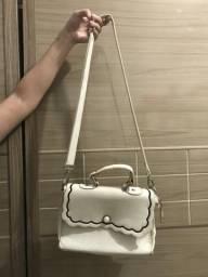 Bolsa branca com detalhes