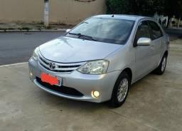 Toyota Etios sedã xs 1.5. 13/13 - 2013