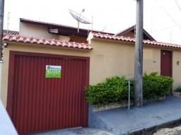 Casa para alugar com 2 dormitórios em Jardim ipê, Poços de caldas cod:3149