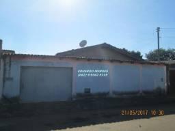 Casa simples com 2/4, lote 250 m², Jd dos Ipês Anápolis, aceita permutas