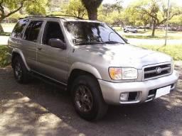 Nissan Pathfinder SE 3.3 V6 4x4 2001 Top de Linha Bxa Km c/ Manual+Ch. Cópia=Raridade - 2001