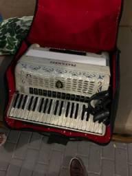 Oportunidade sanfona/acordeon Piatanesi
