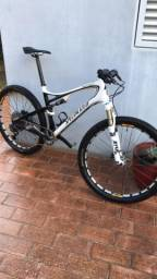 Bicicleta Specialized Carbon 19