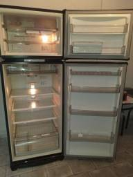 Título do anúncio: Geladeira com frizer Brastemp 430litros vendo