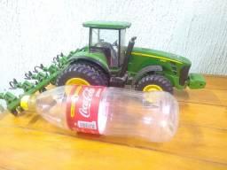Miniatura Trator John Deere 8330