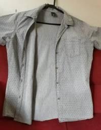 Vendo camisa masculina seminova