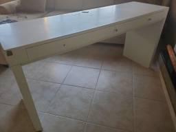Mesa em madeira para escritório