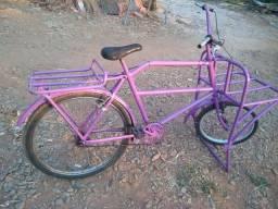Título do anúncio: Bicicleta de garga bem conservada