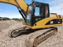 Título do anúncio: Escavadeira Caterpillar 320DL