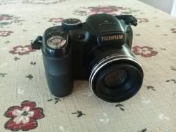 Câmera semiprofissional Fujifilm Finepix 14 megapixels