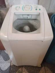 Máquina de lavar Eletrolux 9 kg  c/ defeito