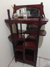 Vendo estante de madeira com espelhos