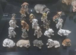 Lote com 22 miniaturas de cachorro ?