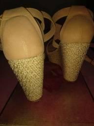 Sandália da Delazari nova