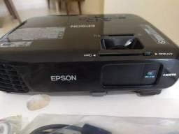 Projetor Epson S18+ em Ótimo Estado - com 6 Meses de Garantia