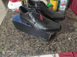 Vende-se sapato social