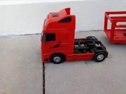 Brinquedo caminhão cegonha