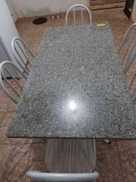 Mesa de mármore com 6 cadeira,