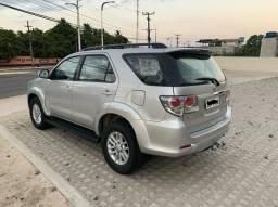 Toyota Hilux SW4 - 13/14 - 7 Lugares - 2014