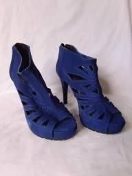 Sandália Azul tamanho 34