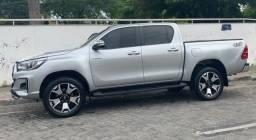 Toyota Hilux Flex 4x2 automática - 2017