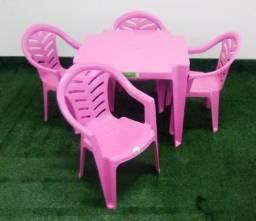 Jogo de Mesas e Cadeiras Infantil Cores