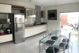 Casa no condomínio Sol Nascente, com: 4 suítes mais um quarto // 271m² de área construída
