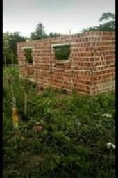 Terreno com Casa em construção