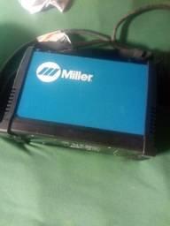 Inversora de solda Miller 150 amperes acompanha máscara speedglass