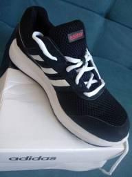 Tênis Adidas feminino novo - Tam 35