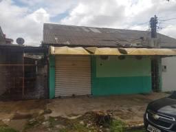 Vende-se casa no bairro Caiari