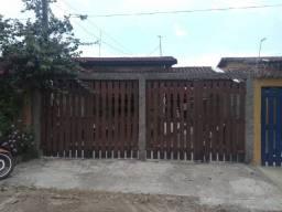 Casa com apenas 100 mil de entrada em Mongaguá, aproveite