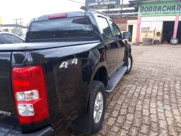 Vendo S10 LT 4x4 manual diesel 12/13