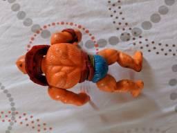 Bonecos Antigos Homem Fera do He-Man e Ninja Branco do Rambo R$80,00 cada um .