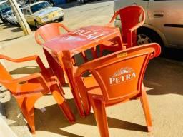 Jogo de mesa plástica Petra