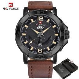Relógio Naviforce Casual, original, importado, Pulseira de Couro Marrom