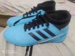 Título do anúncio: Chuteira de futsal Adidas Predator Infantil