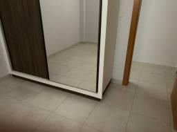 Alugo apartamento Setor Leste Vila nova, 02 quartos, 01 suite completo em armarios;