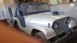 Vende se jeep