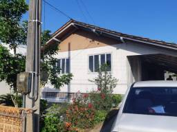 Casa de Madeira - Iririú - 3 dormitórios