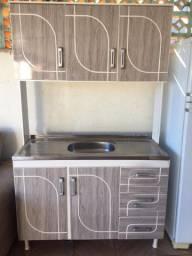 armário de cozinha com cuba