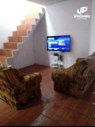 Casa com 3 dormitórios para alugar, 100 m² por R$ 850,00/mês - Porto - Pelotas/RS