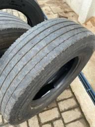 Jogo pneus usados para caminhão 3/4 em bom estado!