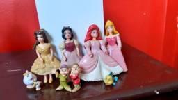 Título do anúncio: Kit princesas  Polly Pocket boneca  ariel bela adormecida branca de neve