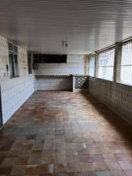 Alugo casa com 2 quartos perto do metrô!!!