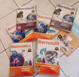 Cadernos de Questões do Bernoulli + Livro de Filosofia e Sociologia