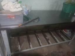Forno , armario com 16 placas e mesa inox . registro e mangueira