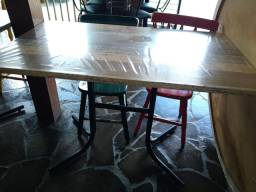 Vendo mesas e cadeiras